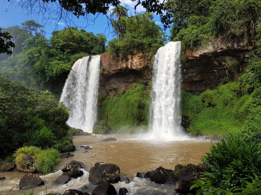 Salto dos hermanas Iguazu Brasilien