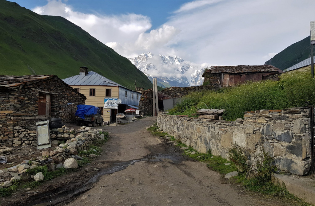 Uschguli Berg Schchara
